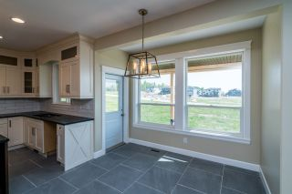 """Photo 7: 2462 CARMICHAEL Street in Prince George: Charella/Starlane House for sale in """"UNIVERSITY HEIGHTS"""" (PG City South (Zone 74))  : MLS®# R2370953"""