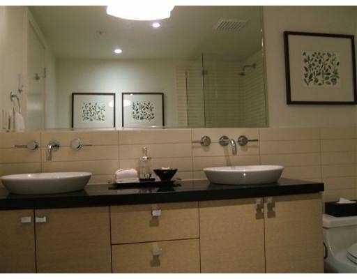 """Photo 7: Photos: 1530 W 8TH Ave in Vancouver: Fairview VW Condo for sale in """"PINTURA"""" (Vancouver West)  : MLS®# V636610"""