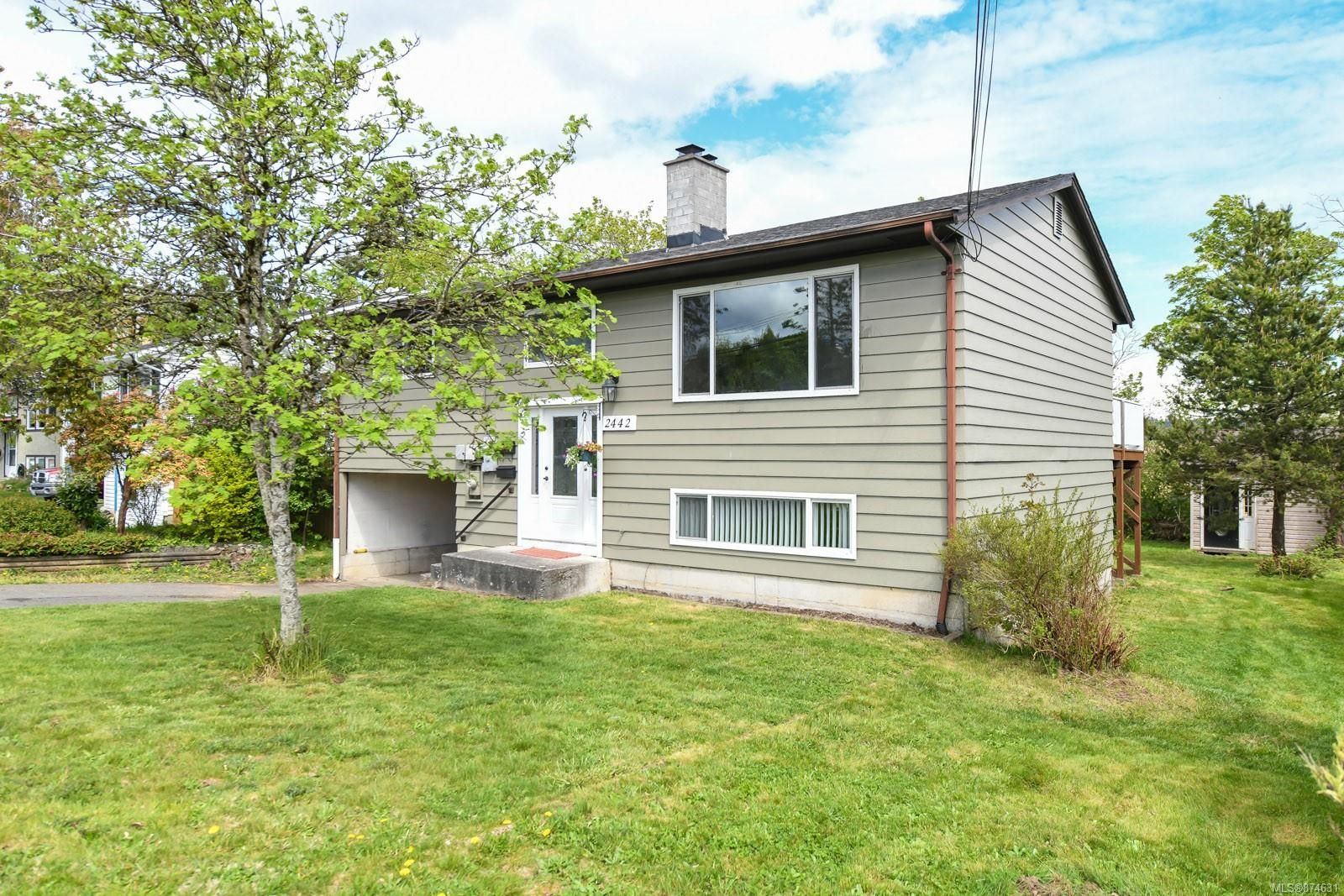 Main Photo: 2442 Fitzgerald Ave in : CV Courtenay City House for sale (Comox Valley)  : MLS®# 874631