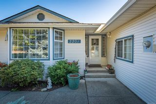 Photo 4: 2201 Bolt Ave in : CV Comox (Town of) House for sale (Comox Valley)  : MLS®# 885528