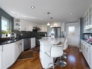 Photo 9: 17 Eaton Ave in : VR Hospital House for sale (View Royal)  : MLS®# 874484