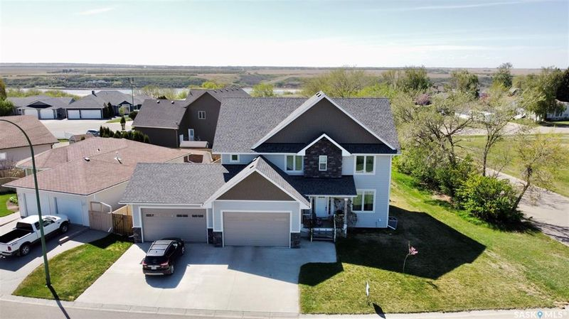 FEATURED LISTING: 1 Aspen Drive Outlook