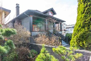 Photo 3: 636 E 50TH Avenue in Vancouver: South Vancouver House for sale (Vancouver East)  : MLS®# R2571020