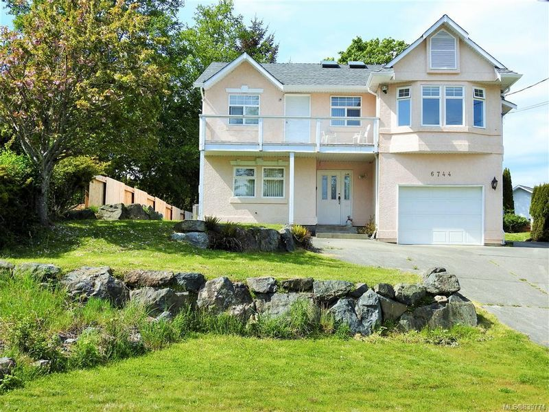 FEATURED LISTING: 6744 Horne Rd Sooke