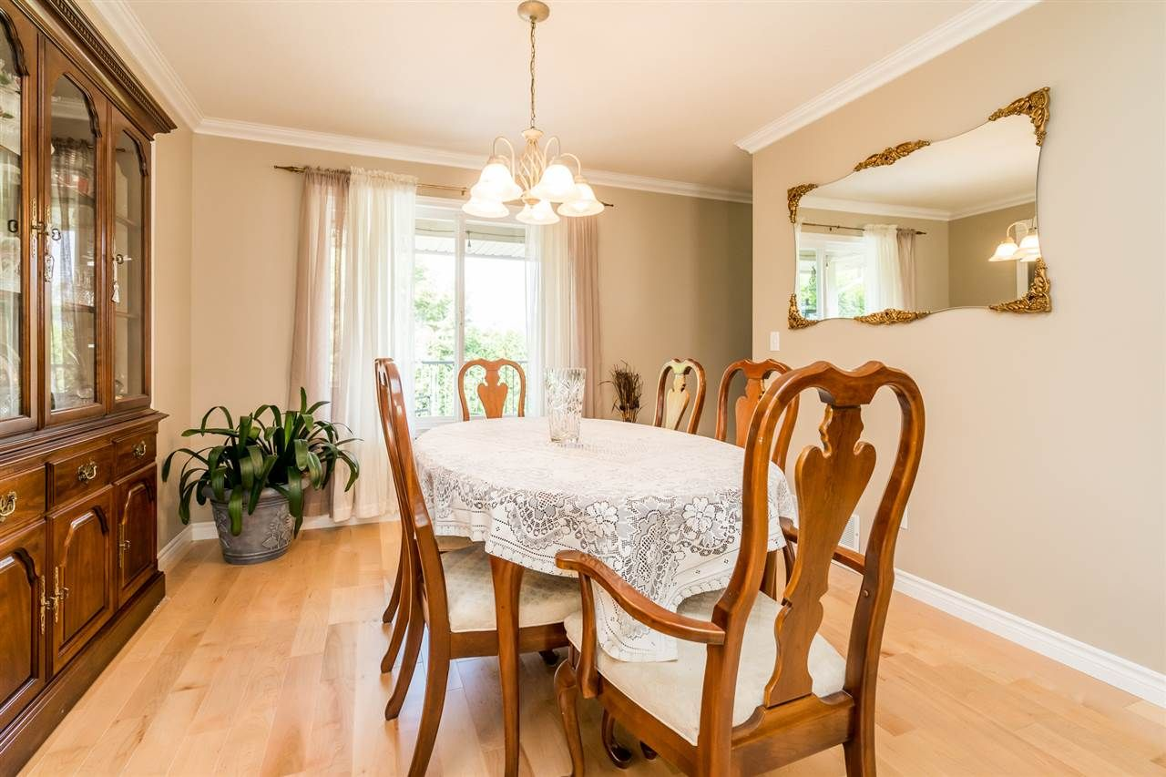 """Photo 11: Photos: 35715 LEDGEVIEW Drive in Abbotsford: Abbotsford East House for sale in """"Ledgeview Estates"""" : MLS®# R2481502"""