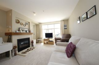 """Photo 5: 318 1211 VILLAGE GREEN Way in Squamish: Downtown SQ Condo for sale in """"ROCKCLIFF AT EAGLEWIND"""" : MLS®# R2372303"""