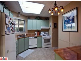 """Photo 5: 55 2303 CRANLEY Drive in White Rock: King George Corridor Manufactured Home for sale in """"SUNNYSIDE ESTATES"""" (South Surrey White Rock)  : MLS®# F1125566"""