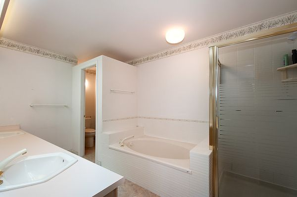 """Photo 20: Photos: # 311 3755 W 8TH AV in Vancouver: Point Grey Condo for sale in """"THE CUMBERLAND"""" (Vancouver West)  : MLS®# V1040579"""