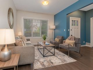 Photo 3: 227 14 Avenue NE in Calgary: Crescent Heights Detached for sale : MLS®# A1019508