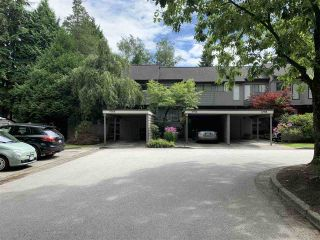 """Photo 3: 4768 CEDARGLEN Place in Burnaby: Greentree Village Townhouse for sale in """"GREENTREE VILLAGE"""" (Burnaby South)  : MLS®# R2388988"""