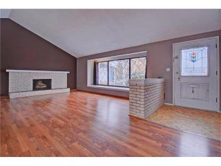 Photo 2: 1240 CROSS Crescent SW in Calgary: Chinook Park House for sale : MLS®# C4087966