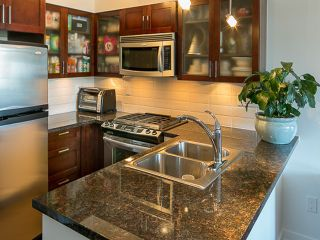 Photo 1: 1808 1 RENAISSANCE Square in New Westminster: Quay Condo for sale : MLS®# V1131981