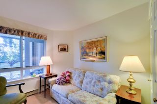 "Photo 16: 314 6707 SOUTHPOINT Drive in Burnaby: South Slope Condo for sale in ""MISSION WOODS"" (Burnaby South)  : MLS®# R2201972"