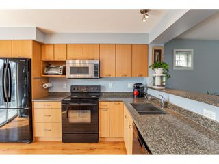 """Photo 15: 42 4401 BLAUSON Boulevard in Abbotsford: Abbotsford East Townhouse for sale in """"The Sage"""" : MLS®# R2554193"""