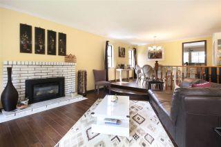 Photo 2: 3363 OSBORNE Street in Port Coquitlam: Woodland Acres PQ House for sale : MLS®# R2227614