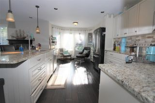"""Photo 2: 29 3354 HORN Street in Abbotsford: Central Abbotsford Townhouse for sale in """"Blackberry Estates"""" : MLS®# R2585948"""