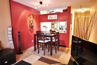 """Photo 2: 714 1040 PACIFIC Street in Vancouver: West End VW Condo for sale in """"CHELSEA TERRACE"""" (Vancouver West)  : MLS®# V1141677"""