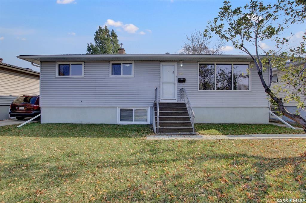 Main Photo: 2151 Park Street in Regina: Glen Elm Park Residential for sale : MLS®# SK873911