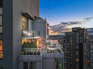 """Photo 1: 3503 1495 RICHARDS Street in Vancouver: Yaletown Condo for sale in """"Azura II"""" (Vancouver West)  : MLS®# R2624854"""