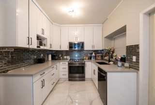 """Photo 15: 33 8675 209 Street in Langley: Walnut Grove House for sale in """"THE SYCAMORES"""" : MLS®# R2625315"""