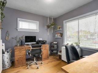 Photo 10: 2651 VENABLES Street in Vancouver: Renfrew VE House for sale (Vancouver East)  : MLS®# R2266027