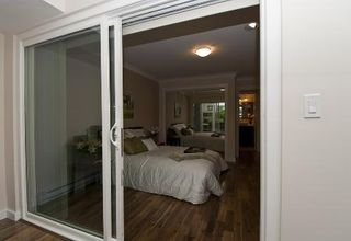 Photo 19: REALLY GORGEOUS 1BR PLUS DEN!