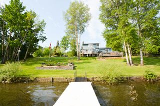 Photo 5: 13204 Lakeshore Drive in Charlie Lake: House for sale