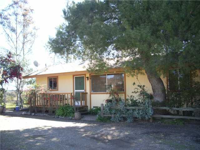 Main Photo: RAMONA House for sale : 2 bedrooms : 1549 Weekend Villa Rd