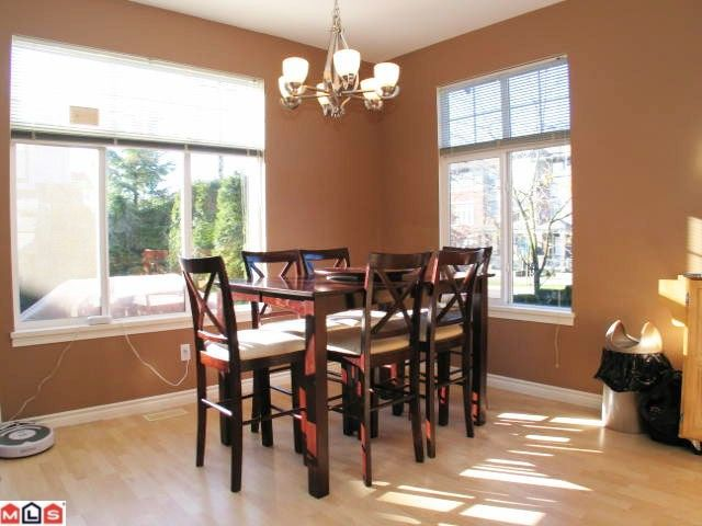 """Photo 4: Photos: 32 18828 69TH Avenue in Surrey: Clayton Townhouse for sale in """"Star Pointe"""" (Cloverdale)  : MLS®# F1026990"""