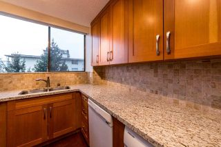 Photo 3: 703 114 W KEITH ROAD in North Vancouver: Central Lonsdale Condo for sale : MLS®# R2426357
