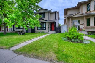 Photo 1: 39 Erin Green Way SE in Calgary: Erin Woods Detached for sale : MLS®# A1118796