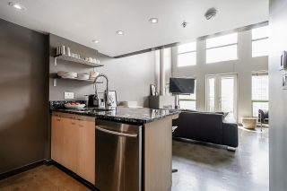 """Photo 12: 502 1 E CORDOVA Street in Vancouver: Downtown VE Condo for sale in """"CARRALL STATION"""" (Vancouver East)  : MLS®# R2598724"""