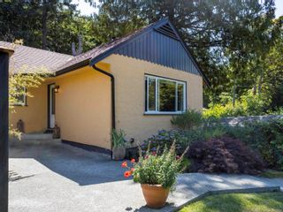 Photo 6: 1013 Sluggett Rd in : CS Brentwood Bay House for sale (Central Saanich)  : MLS®# 882753