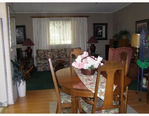 """Photo 3: Photos: 49 4496 HIGHWAY 1O1 BB in Sechelt: Sechelt District Manufactured Home for sale in """"BIG MAPLE MOBILE HOME PARK"""" (Sunshine Coast)  : MLS®# V648460"""