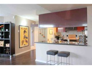"Photo 4: 190 COOPER'S MEWS BB in Vancouver: False Creek North Condo for sale in ""QUAY WEST"" (Vancouver West)  : MLS®# V881995"