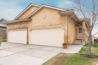 Photo 1: 189 ROYAL CREST View NW in Calgary: Royal Oak Semi Detached for sale : MLS®# C4297360