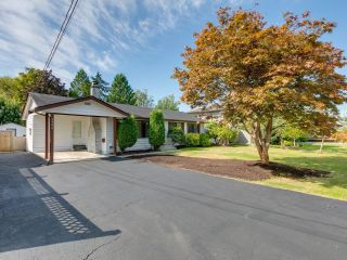 Photo 2: 5794 GROVE Avenue in Delta: Hawthorne House for sale (Ladner)  : MLS®# R2612551