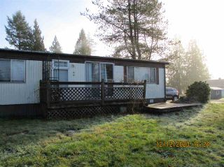 """Photo 4: 10 23141 72 Avenue in Langley: Salmon River Manufactured Home for sale in """"LIVINGSTONE PARK"""" : MLS®# R2523897"""
