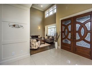Photo 3: 2273 CHARDONNAY Lane in Abbotsford: Aberdeen House for sale : MLS®# R2094873