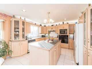 Photo 6: 368 HYTHE Avenue in Burnaby: Capitol Hill BN House for sale (Burnaby North)  : MLS®# R2226832