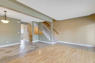 Photo 9: 386 Regal Park NE in Calgary: Renfrew Row/Townhouse for sale : MLS®# A1128007