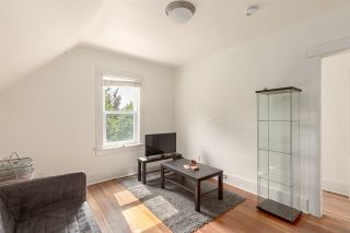 """Photo 17: 1937 GRAVELEY Street in Vancouver: Grandview Woodland House for sale in """"Commercial Drive"""" (Vancouver East)  : MLS®# R2404224"""