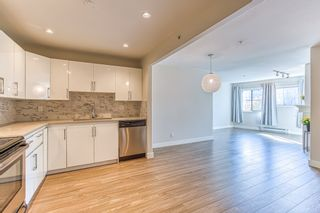 Photo 3: 308 2357 WHYTE AVENUE in Port Coquitlam: Central Pt Coquitlam Condo for sale : MLS®# R2409664