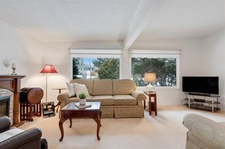 Photo 10: 36 HUNTERBURN Place NW in Calgary: Huntington Hills Detached for sale : MLS®# C4292694