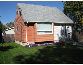 Photo 1: 893 TALBOT Avenue in WINNIPEG: East Kildonan Residential for sale (North East Winnipeg)  : MLS®# 2903844