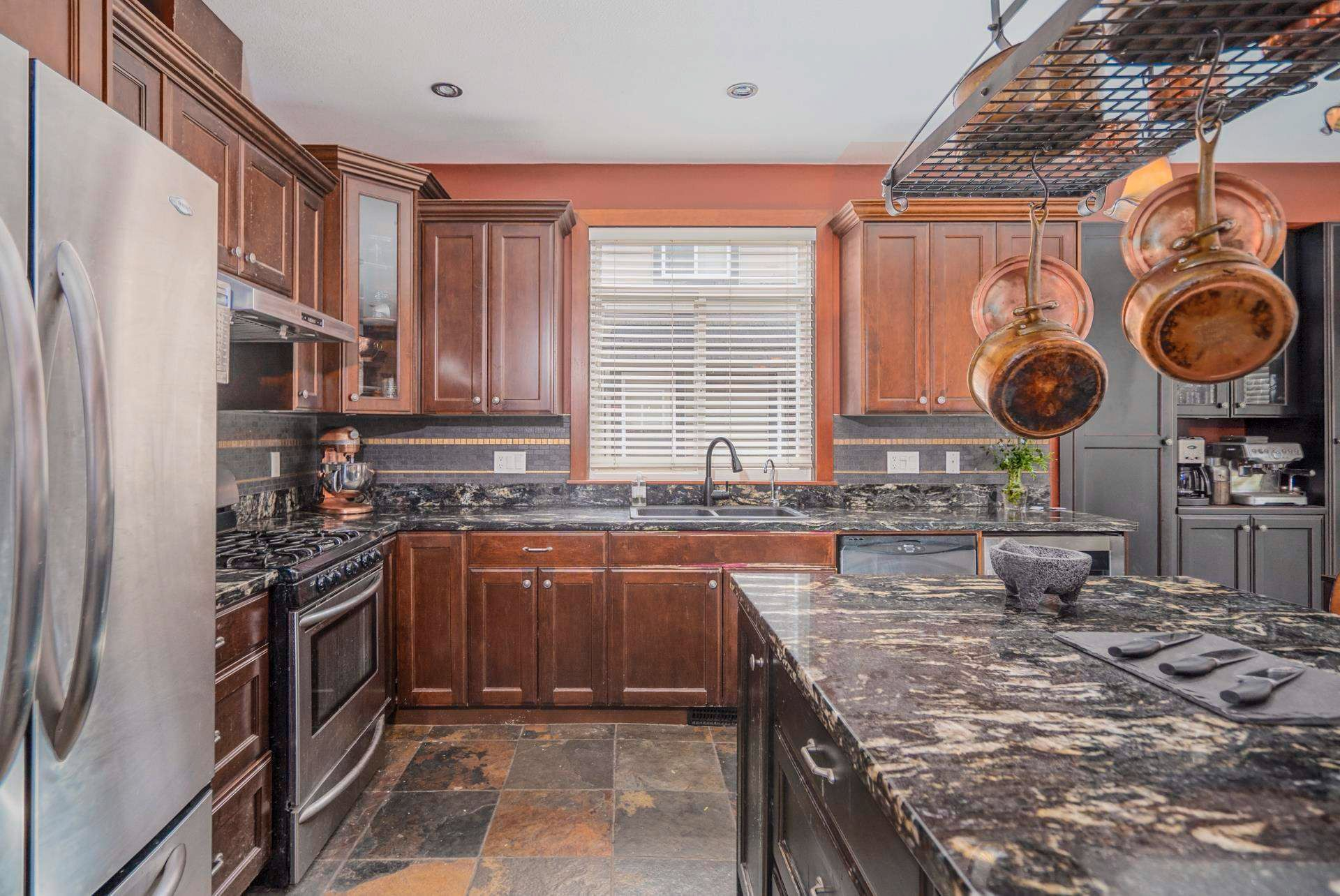 """Photo 12: Photos: 1662 KNAPPEN Street in Port Coquitlam: Lower Mary Hill House for sale in """"Knappen Gardens"""" : MLS®# R2593877"""