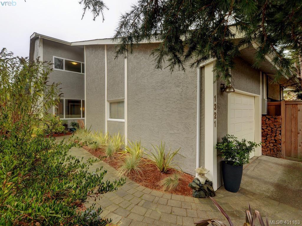 Main Photo: 1321 Pembroke St in VICTORIA: Vi Fernwood Half Duplex for sale (Victoria)  : MLS®# 800491