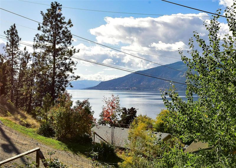 FEATURED LISTING: 10871 Maddock Avenue Lake Country