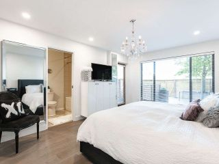 """Photo 13: 5560 YEW Street in Vancouver: Kerrisdale Townhouse for sale in """"The Diplomat"""" (Vancouver West)  : MLS®# R2553086"""