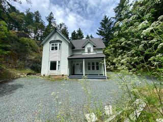Photo 2: 3463 Yorkshire Pl in : La Humpback House for sale (Langford)  : MLS®# 878766